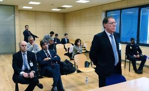 Domingo Parra se defiende y evita responder a la Fiscalía