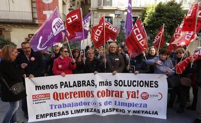 Convocan huelga indefinida en los institutos por los impagos de las nóminas a las trabajadoras