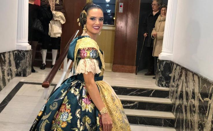 Exaltación de la fallera mayor de Valencia 2019: Marina Civera deslumbra con un espolín azul atlantis