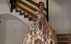 Sara Larrazábal brilla con su espolín color blanco roto