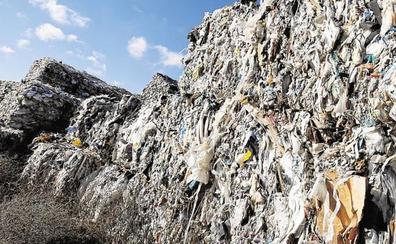 Economía vendió terreno al dueño del polvorín de Utiel para tratar el plástico