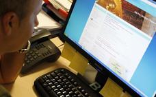 Un joven estafa 12.000 euros a una anciana de Burriana tras contactar con ella por internet