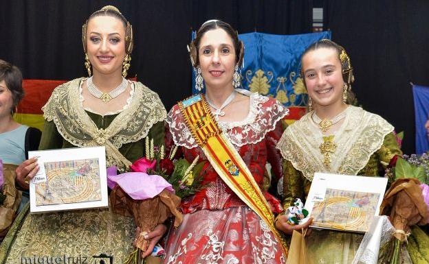 430200e440 Las falleras mayores de Valencia 2018 Rocío Gil (izquierda) y Daniela Gómez  de los