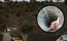 El dueño de la finca de Totalán dice que tapó el pozo con ladrillos hormigón