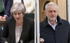 Corbyn tienta a May con un acuerdo y un suicidio