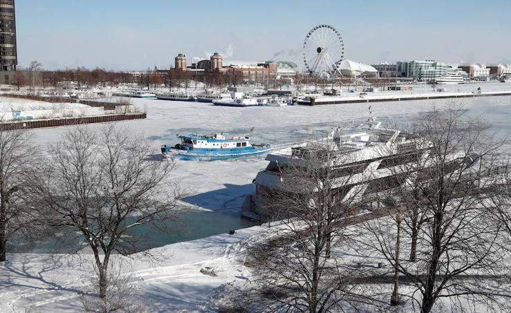 Chicago desaparece bajo el hielo