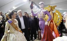 Los artistas aprovechan el escaparate de la Exposició del Ninot para reivindicarse