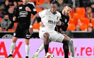El Valencia CF rescinde a Batshuayi en hora límite