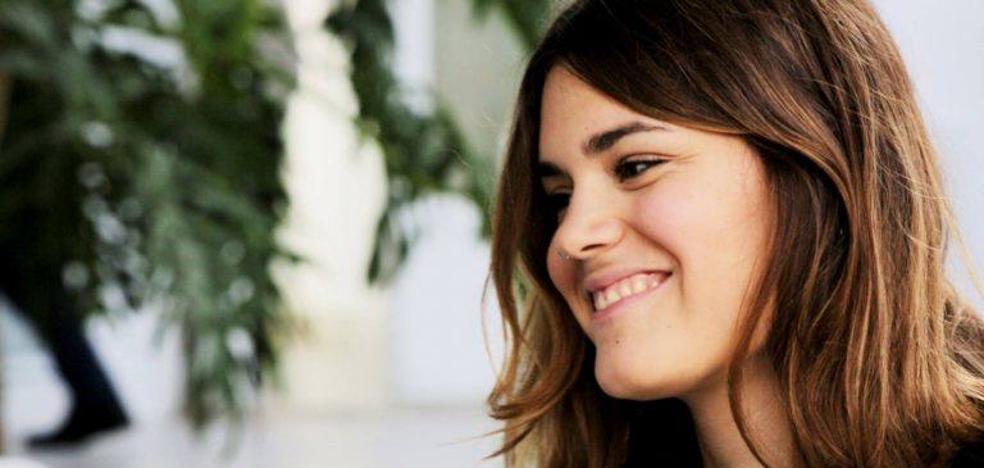 Elvira Sastre, la niña prodigio de la poesía, gana el premio Biblioteca Breve