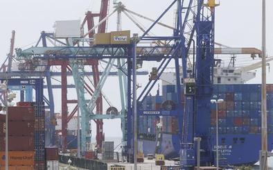 Los estibadores vuelven a paralizar el Puerto de Valencia