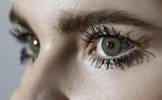 Un conocido médico valenciano presenta una técnica pionera para cambiar el color de los ojos