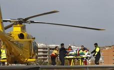 Un joven de 17 años, herido grave y evacuado en helicóptero tras el choque de una moto y una furgoneta en la CV-610