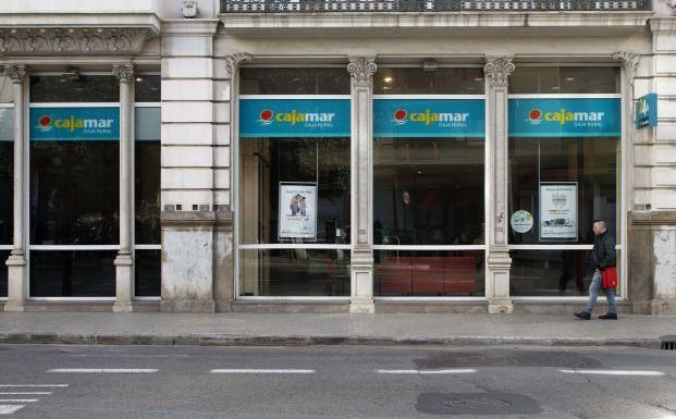 Cajamar incrementa sus beneficios un 2 7 hasta los 82 for Cajamar valencia oficinas