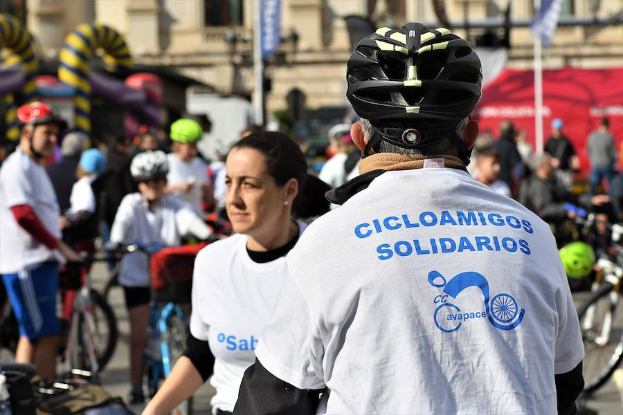 III Cicloamigos Solidarios por la Parálisis Cerebral AVAPACE en Valencia
