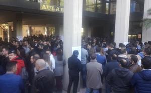 Casi un millar de personas, en las oposiciones a policía local