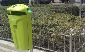 ¿Para qué son las nuevas papeleras verdes que hay por Valencia?