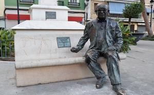 Una cámara vigilará la escultura de Estellés