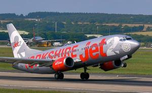 Un avión con destino Tenerife realiza un aterrizaje de emergencia al no tener agua para infusiones