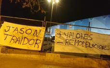 Aparece una pancarta en el estadio del Levante UD con el mensaje «Jason traidor»