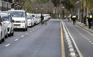 La consellera advierte al sector del taxi: si no acepta sus propuestas, «no habrá decreto»