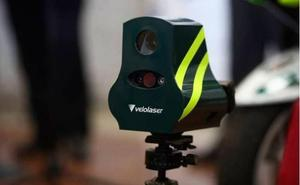 Calcula la velocidad a la que multan los radares de Tráfico