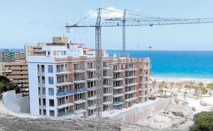 La construcción de viviendas crece en Alicante hasta los niveles de 2008