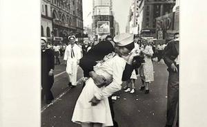 Muere a los 95 años el marinero de la mítica foto en Times Square