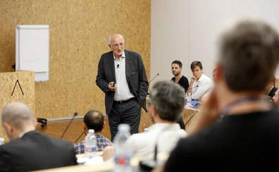 Juan Roig apadrinará empresas de exfutbolistas