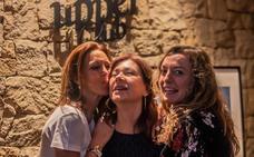 Noche de besos en el centro de Valencia
