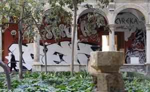 ENCUESTA   ¿Le parece adecuado el grafiti que se ha realizado para el claustro del Centro del Carmen?