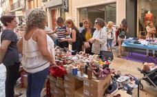 El Centre Històric amplía a dos días la campaña 'Botigues al carrer' tras el éxito del año pasado