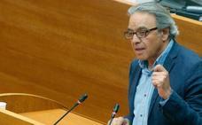 Mata abre la puerta a negociar un pacto con Compromís, pero no con Podemos