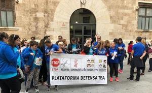 Las familias de niños con autismo vuelven a protestar por los recortes en Sanidad, Educación y Atención Temprana