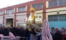 La Virgen de los Desamparados bendice los ninots de la Ciudad Fallera