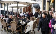 El colapso de licencias obliga al Ayuntamiento a reforzar el personal