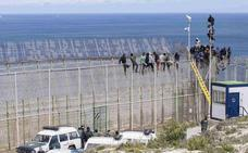 Marlaska certifica en Ceuta el fin de las concertinas sin saber qué va a pasar