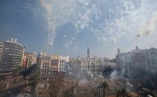 Revive la mascletà de Pirotecnia Valenciana de hoy