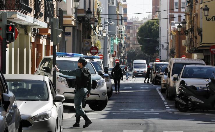 Fotos de la Operación de la Guardia Civil contra una mafia de explotación de personas en Valencia