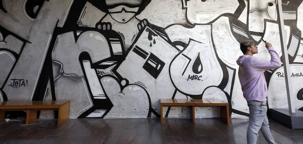 La denuncia del grafiti provoca la polémica en la UGT