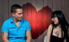 El 'joven del palillo' visita el programa 'First Dates'