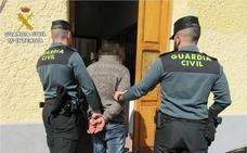 Detenido por eyacular sobre una mujer en un autobús urbano de Alicante