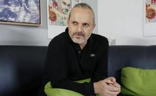 Bosé critica a Pedro Sánchez
