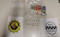 La Policía Local detiene a un traficante de cocaína en Silla
