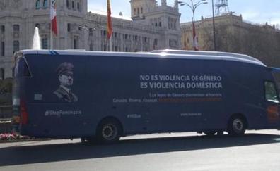 La Policía Local de Valencia, dispuesta a denunciar por odio al autobús de Hazte Oir