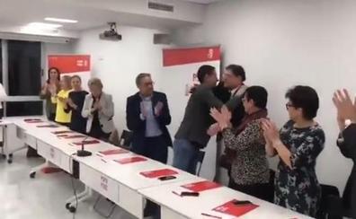 Así ha recibido la Comisión Ejecutiva Nacional del PSOE a Ximo Puig tras el adelanto electoral