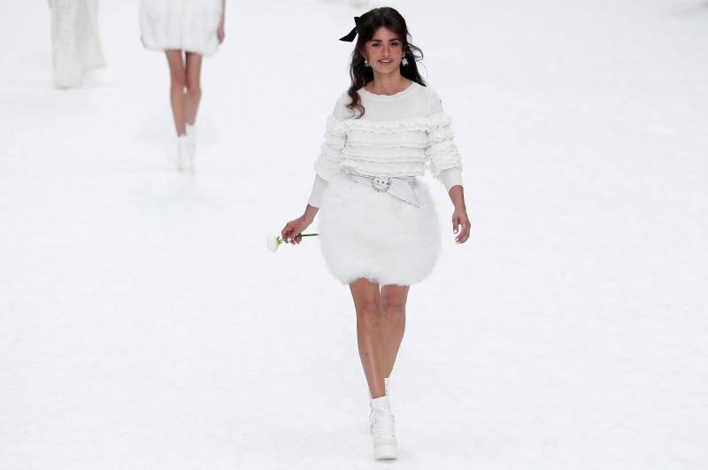 Fotos del desfile de Chanel en la Semana de la Moda de París 2019, homenaje a Karl Lagerfeld