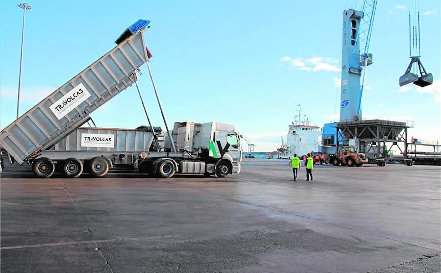 Travolcas, especialista en el transporte de mercancías a granel en constante innovación