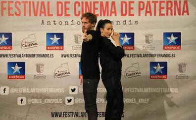 Daniel Pérez Prada y Bárbara Goenaga presentan '70 binladens' en Kinépolis