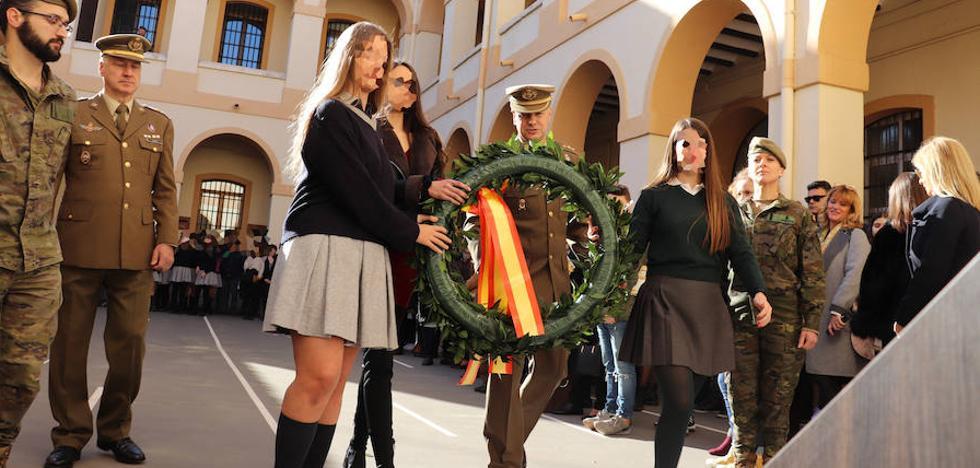 La emotiva y feminista carta a una militar española de una estudiante de 15 años de Ontinyent
