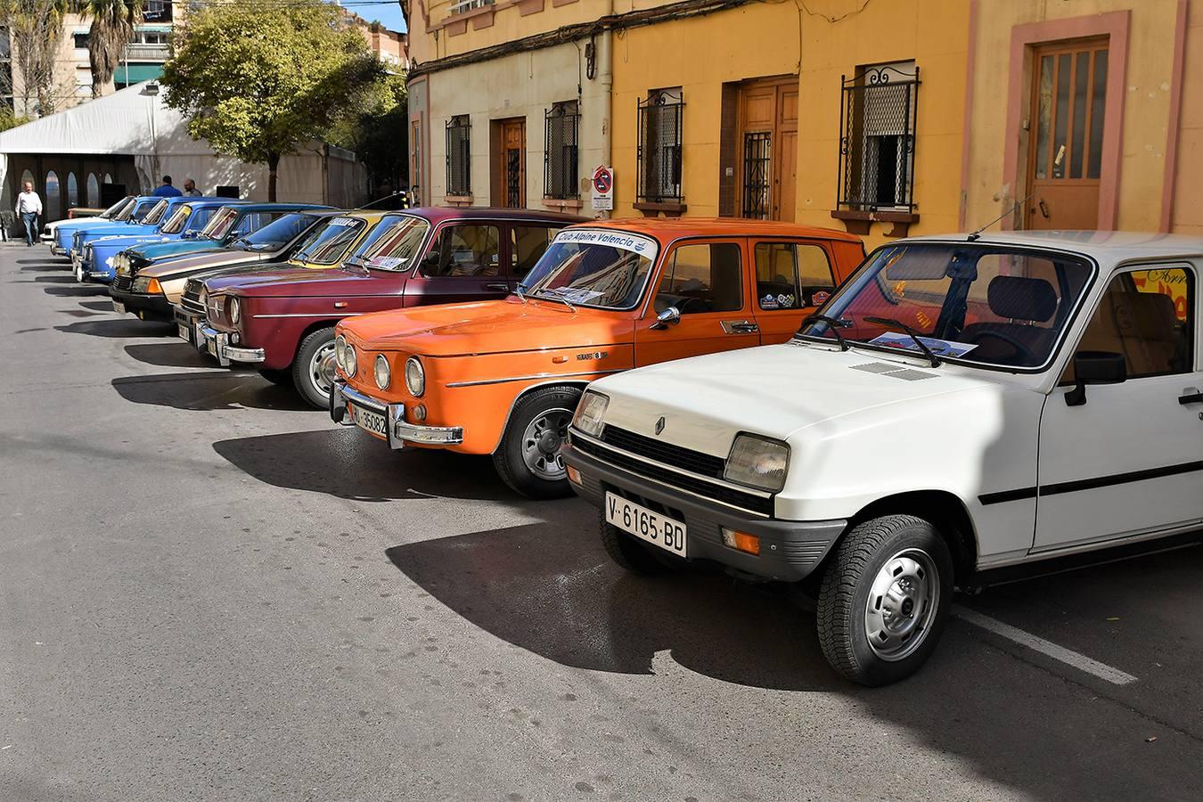 Concentración de clásicos Alpine en la falla Pedro Cabanes - Conde Lumiares